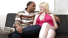 Grassa bionda sexy, primo porno interrazziale