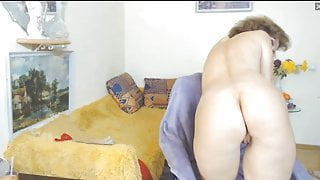 Granny with a hot body show me her ass