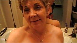 Granny enjoying hot fuck after booze