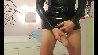 German Amateur Shemale Masturbates on Cam