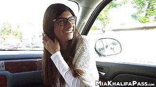 Arab chick Mia Khalifa wants monster black cock inside her