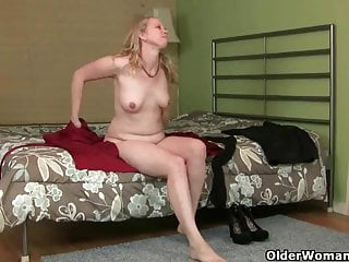 Bait and tackle nude How mom turns into a cougar looking for bait