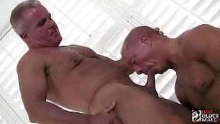 Dale Savage and Stone Dixxxon barebacking