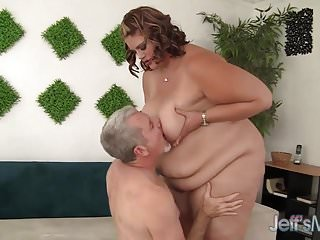 Huge fat ass tubes Huge fat ass gets herself fucked