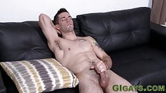 Real muscular army guy cums
