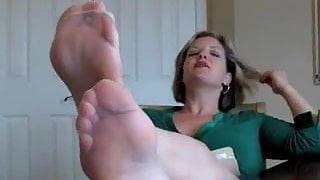 mature nylon feet