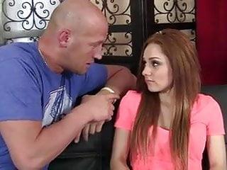 Jeune gay bite gratuit Une bite epaisse pour une jeune roquine