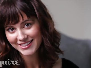 Adult mobile jokes - Mary elizabeth winstead tits partly out, tells a joke