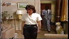 Кожаные штаны 80-х, возбужденная милфа