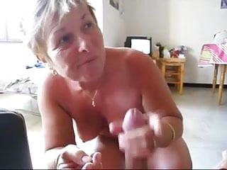 Milf cumshoot - Granny play suck and cumshoot
