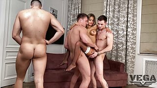 MONIKA FOX FIRST DOUBLE ANAL & PISSING