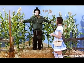 Midget suicide in wizard of oz - Classic the wizard of oz parody