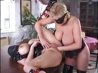 Fist fucking.jpg sexe - Chubby mature fisting and fucking in leather
