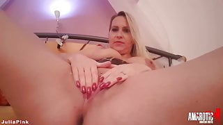 JuliaPink: Come on jerk and come with me