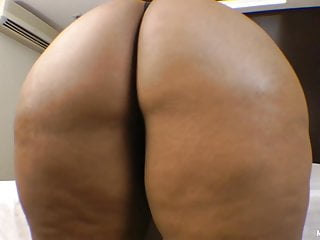Xxl face cum extreme - Enormous butt and tiny slave - extreme face fuck by bbw