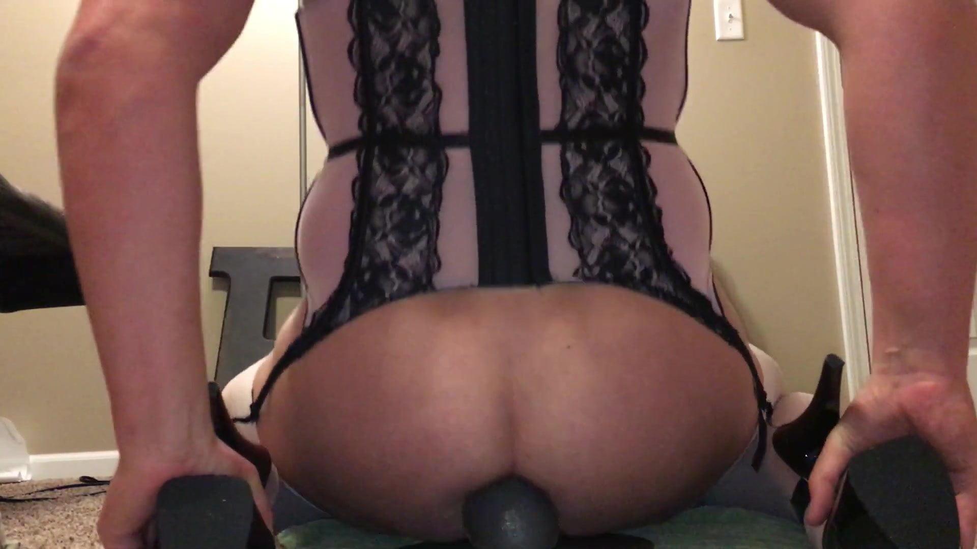 Saxy doggy style anal