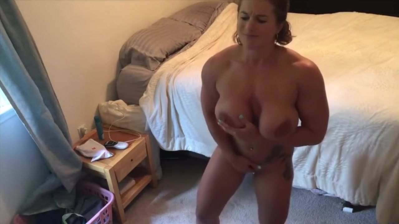Thick Latina Girl Masturbating