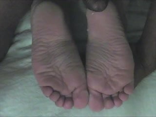 Dry burning skin bottom of foot Cammies wide dry soles take 7 loads