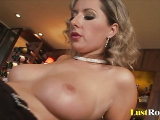Louis glover nude - Daria glover really loves to slam at bars