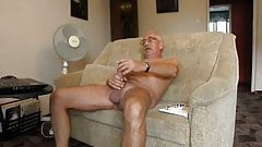 Str8 grampa wank on couch