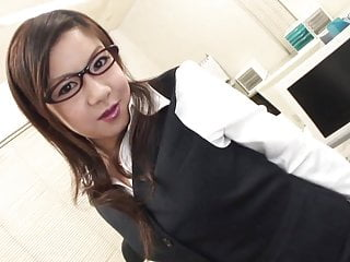 Suck it during a presentation - Sexy secretary gets to suck cocks during a meeting