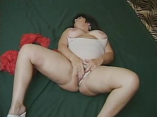 Mature older woman having sex Older woman with piercings have some fun