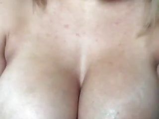 Female masturbation techniques with ice - Big boobs girl play with ice