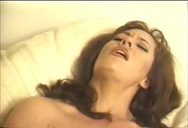 Milf Fingering Herself Orgasm