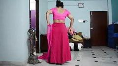 Aunty saree blouse wear video