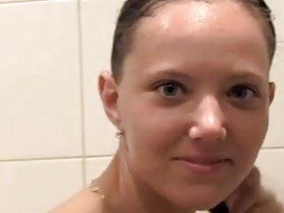 Sony ericsson k750i nude Soni beim duschen