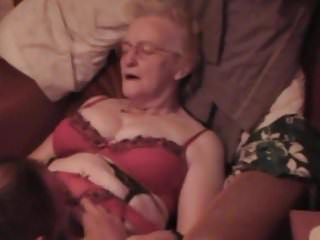 Spunk donkys - Granny jean gets some spunk