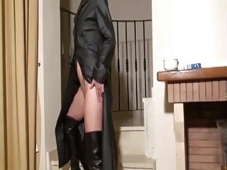 Alkyd vs latex Cigarette and cum vs leather voyeur