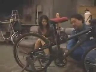 Sugar bottom bikes Japanese dildo-bike in public