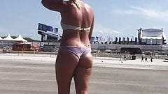 beachvoyeur sexy milf jiggling ass bikini