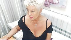 Live  Chat with HotandMature d58