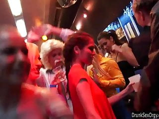 Gays in a club having sex - Bisexual club chicks having fun