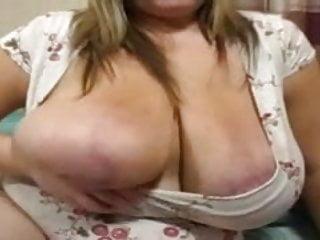 Woman masturbates daughter Plump woman masturbates