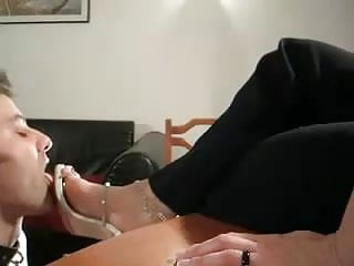 Fucking my wifes feet Lickclean my wifes feet and shoes