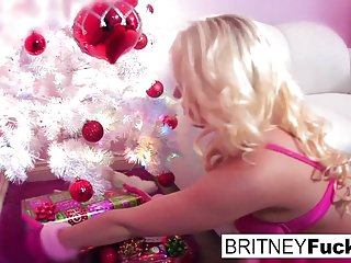 Britney spaer sex video Britney finds a christmas gift