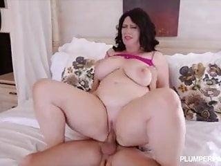 Plump ass sex