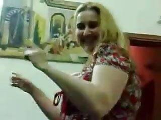 Iraqi boobs Iraqi milf dancing
