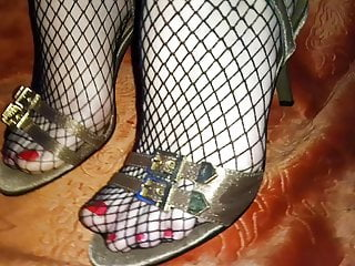 Golden pantyhose Lady l golden sandals.