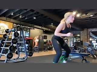 Jenny lind adult rocker Natalie alyn lind working out at the gym
