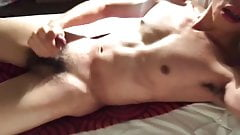 YOUNG TWINK JERKING OFF AND MOANING WITH CUMSHOT