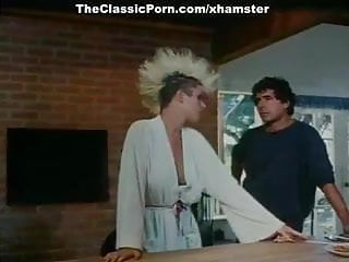 Lois griffin fucked in ass - Ginger lynn allen, lois ayres, gina carrera in classic sex