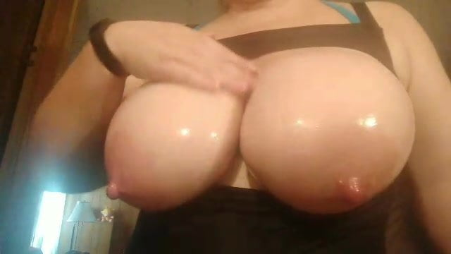 Big Tits Lesbian Pussy Eating