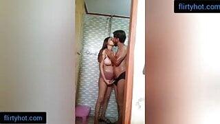 Mama Ne bhanji ko Nahate hue bathroom mei Chod dala