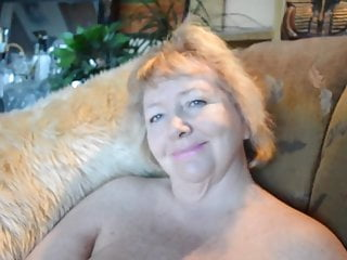 Western pleasure show - Goldenpussy shows it all for your pleasure