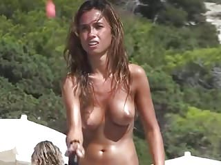 Milf playing tennis - Young tits plays tennis