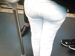 Girl with nice butt gives blowjob - French girl with nice rounded butt in white jeans